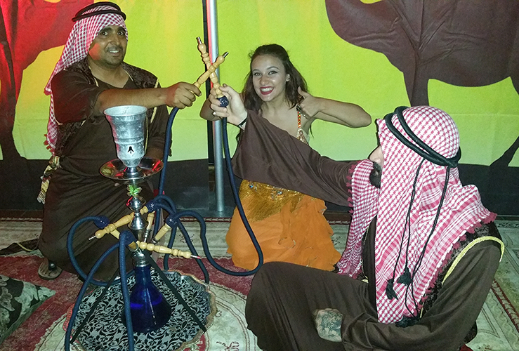 Arabisch entertainment in een clubavond
